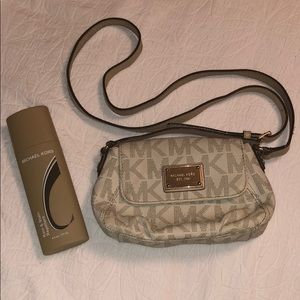 MICHAEL KORS CROSSBODY W RAIN & STAIN REPELLENT